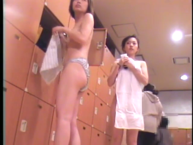 DL8X 【個人撮影】顔出しむちむち18歳Eカップ女子大生に -